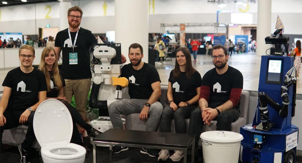 Dos equipos de la RoboCup 2019 (Sydney) suben al podio programando el robot TIAGo de PAL Robotics