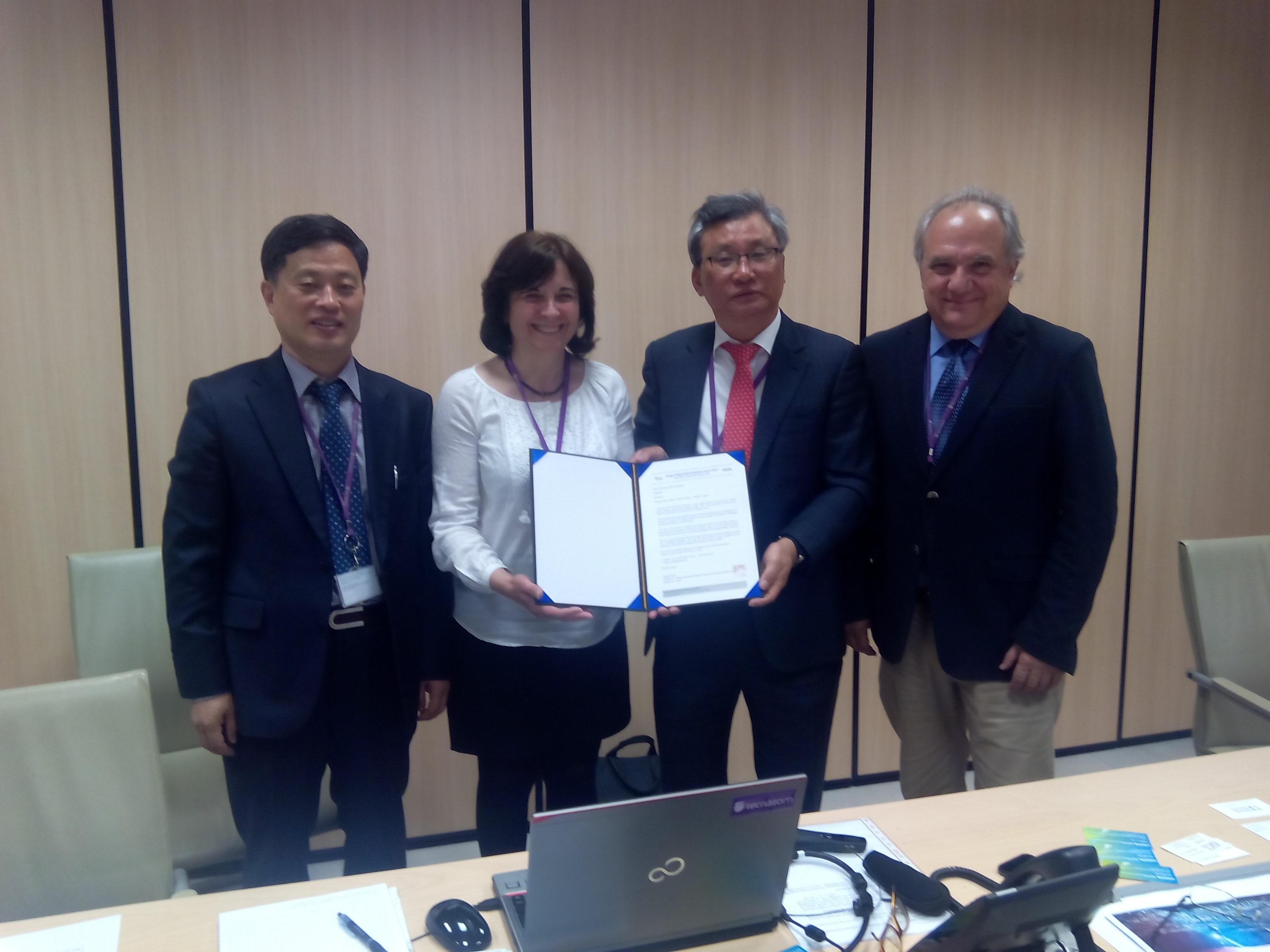 Encuentros con asociaciones internacionales de robótica en China y Corea