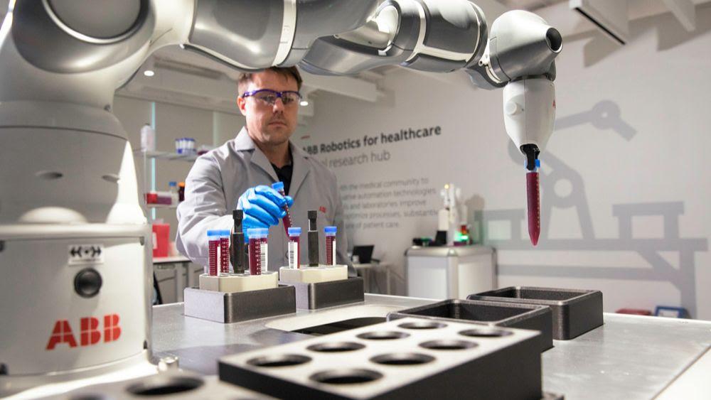 ABB demuestra el concepto de robot de laboratorio móvil para el hospital del futuro