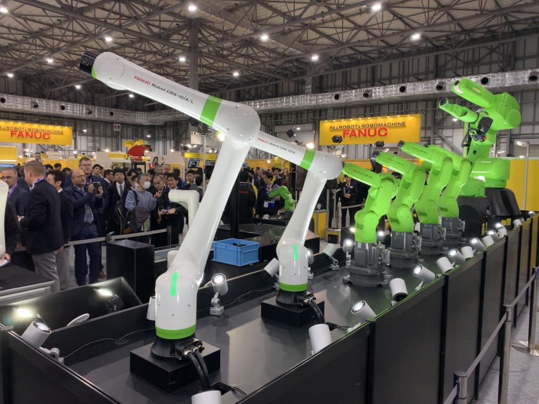 FANUC presenta un nuevo robot colaborativo ligero: el CRX-10iA