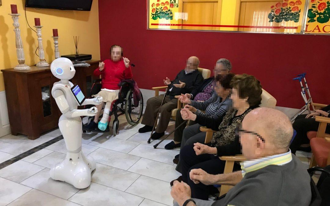 """Una Nueva Oportunidad de atención a las personas MAyores mediante robótica Social en las residencias Lacort (proyecto """"UNO MAS"""")"""