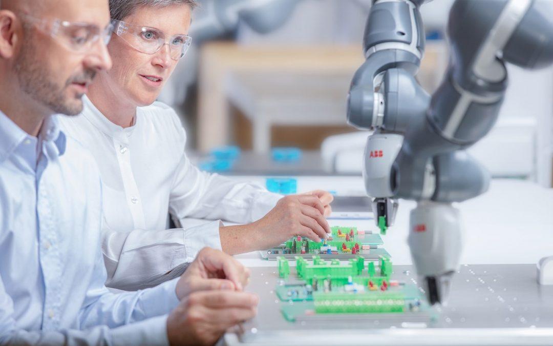 El innovador robot YuMi® de ABB ha establecido nuevos estándares para la robótica colaborativa durante cinco años