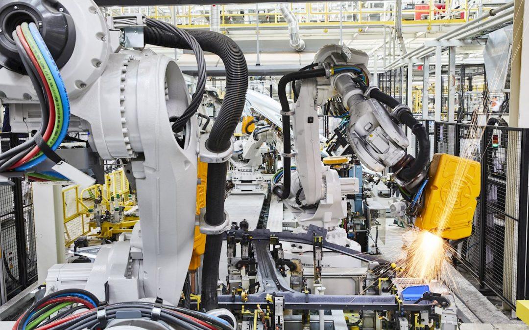 ABB da un empuje a la movilidad eléctrica desplegando 800 robots para fabricar nuevos vehículos eléctricos en Volkswagen
