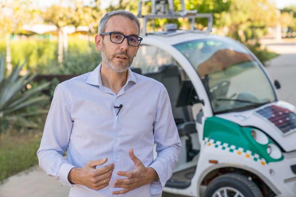José Luis Blanco (UAL) crea un software para el uso de robots móviles en los hospitales