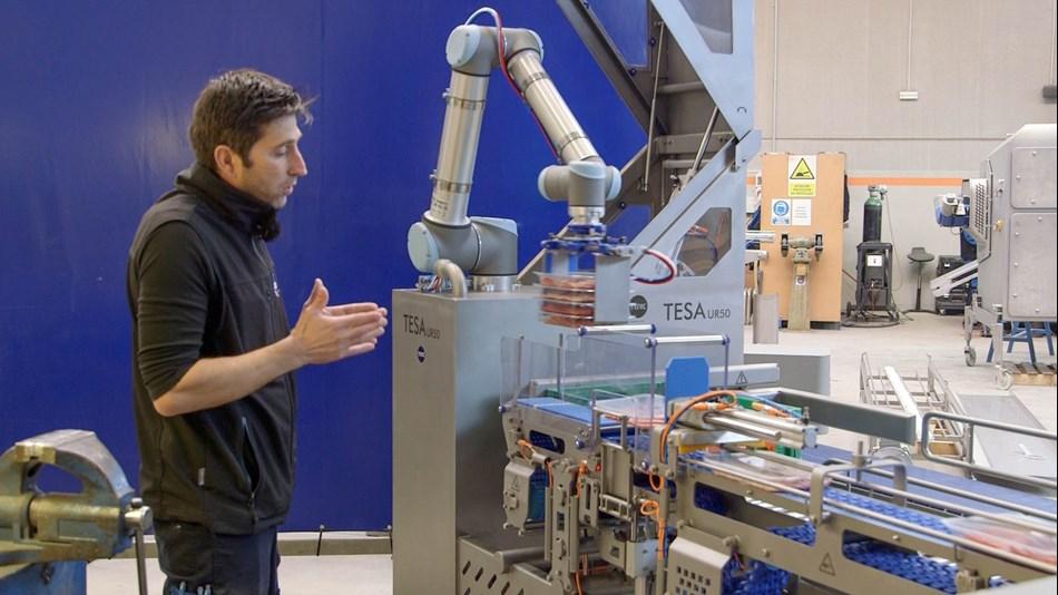 TEMIC desarrolla la máquina TESA UR50 que encaja automáticamente 50 bandejas cárnicas por minuto en un espacio muy reducido