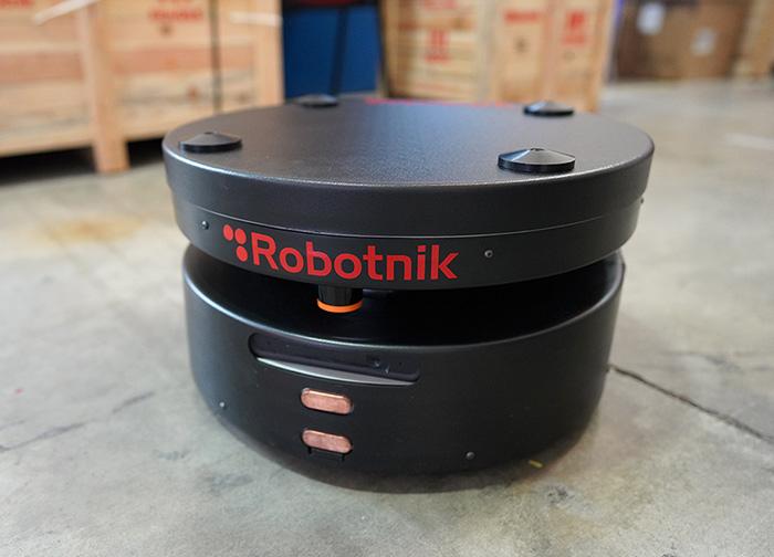 LOGIBLOCK, Plataforma modular para el despliegue y gestión de flotas de vehículos autónomos y robots logísticos en PYMEs