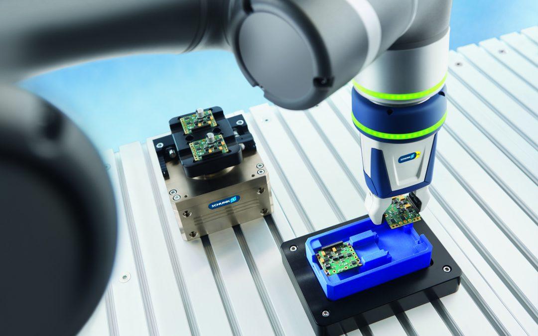 Plug & Work: ahora también disponible para cobots de OMRON y FANUC